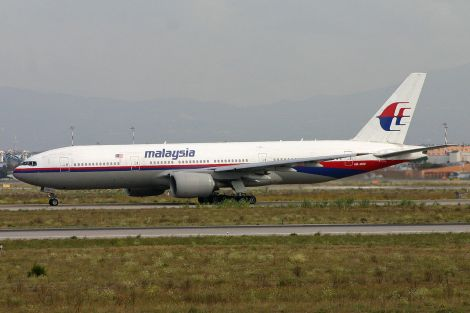 1280px-Boeing_777-2H6ER_9M-MRD_Malaysian_(6658105143)